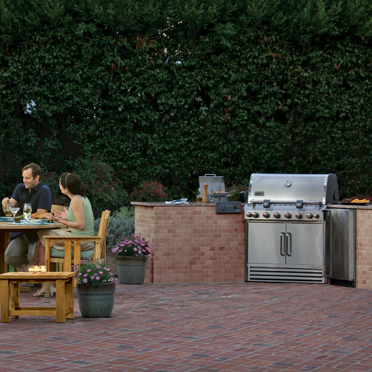 Weber Summit S-660 built-in gas grill