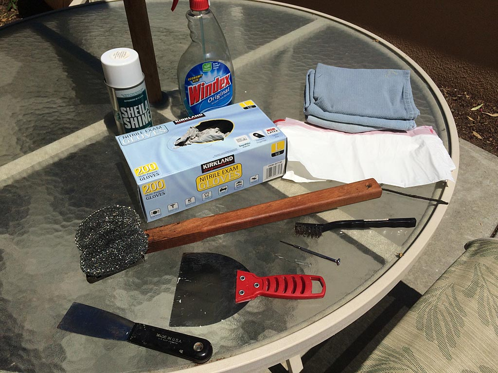 Grill cleaning supplies & tools