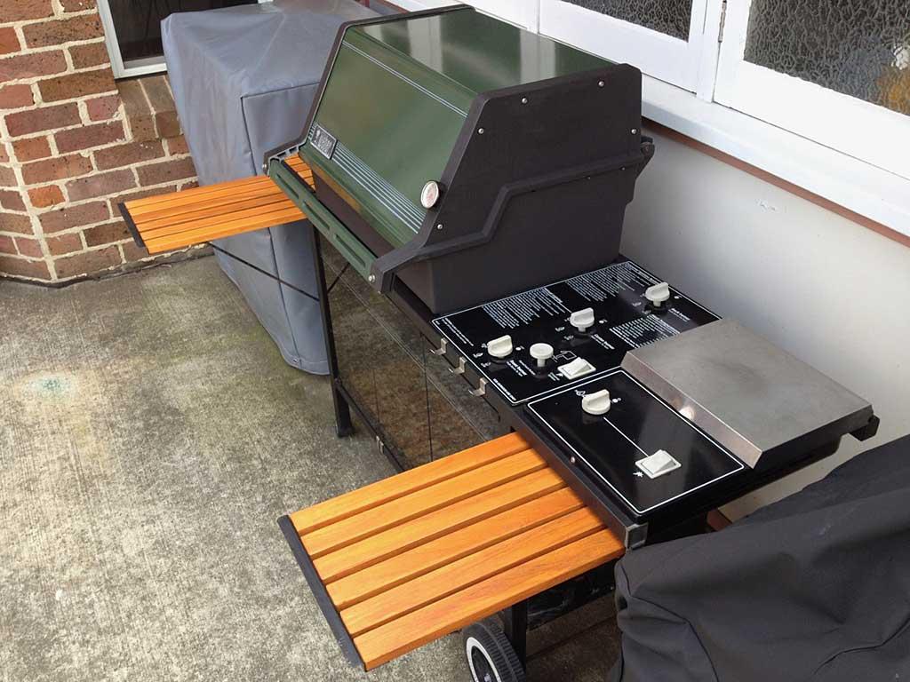 Restored Genesis 5000 gas grill