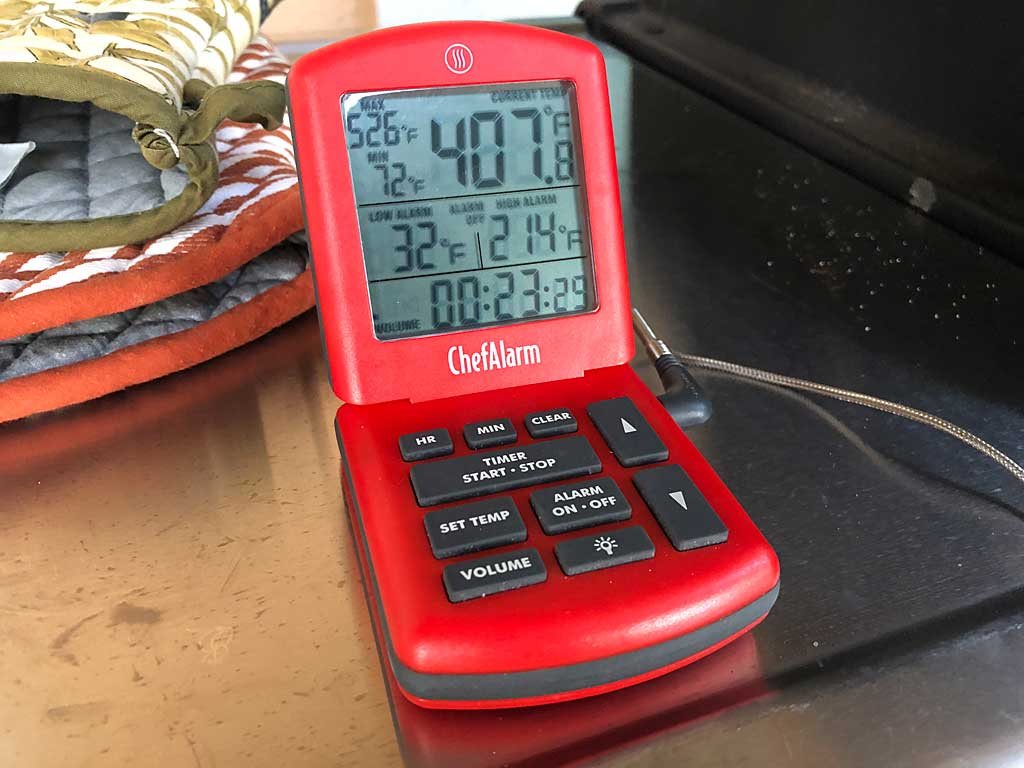 ThermoWorks ChefAlarm monitoring grill temp