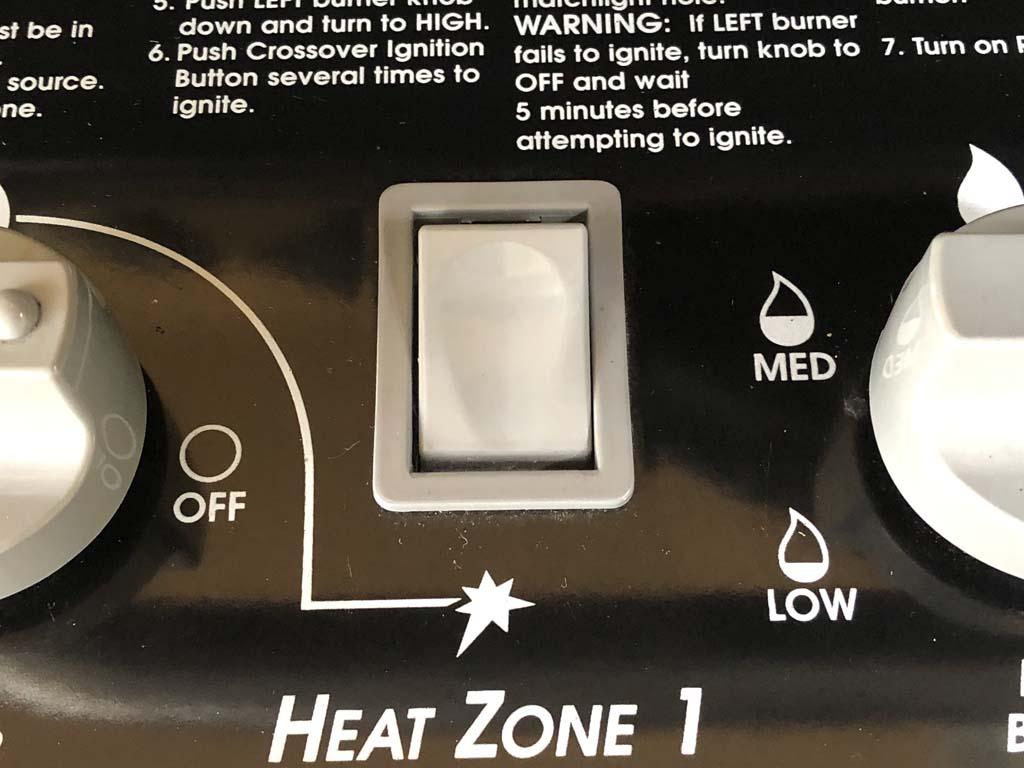 Mechanical piezo igniter button on Weber Summit 450